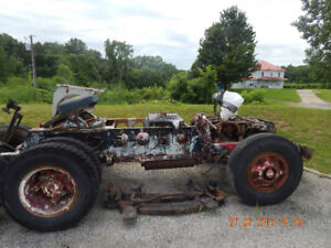 1959 white 3000 rolling chaisse
