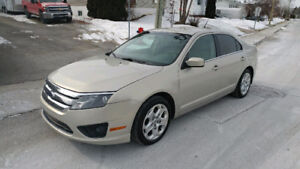2010 FORD FUSION SE V6 - AUTOMATIQUE - Excellente condition.