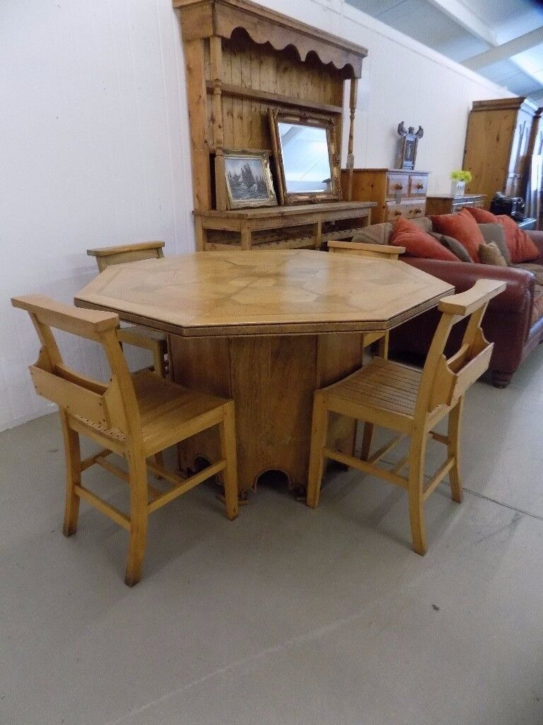 Barker Stonehouse Flagstone Octagonal Dining Table With 4 Chapel Chairs