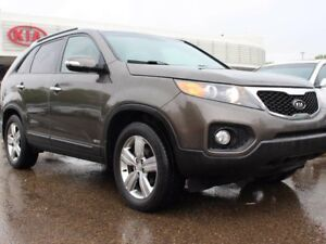 2013 Kia Sorento EX, LEATHER, HEATED SEATS, AWD