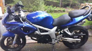 2000 Suzuki sv650s street bike sell/trade