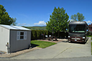 Pull Through lot at Swan Lake RV Resort