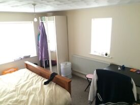 DOUBLE ROOM FOR RENT IN PRESTON PARK