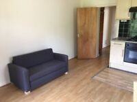 2 Bedroom Student Flat, Alma Rd, Available NOW