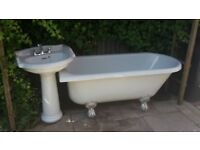 Acrylic bathtub and wash basin to be collected from Tonbridge