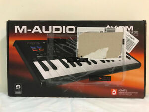 M-Audio Axiom AIR Mini 32 USB MIDI Keyboard & Drum Pad