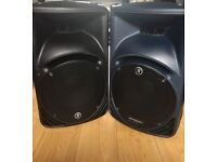 Mackie Speaker V2 Powered with Stands and Bags Plus mixing desk great condition £400 the lot.