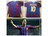 Barcelona 2005/06 Ronaldinho 10 Home Shirt (XL)