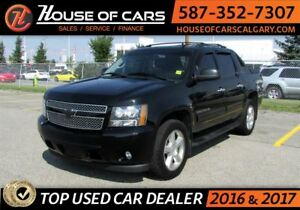 2012 Chevrolet Avalanche 1500 LT /  4x4 / Sunroof / Bluetooth