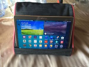 iPad/Android Tablet Pillow
