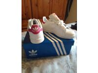 Girls adidas stan smiths