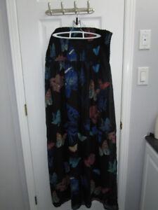 Ladies black pattern Maxi dress from Ricki's size XL *New