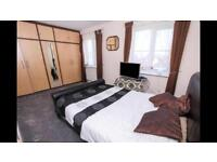 One Double bedroom room professional shared house