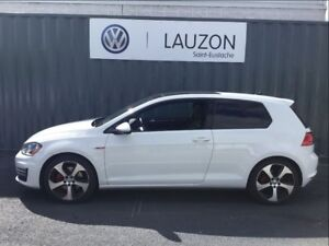 2015 Volkswagen Golf GTI 3-Door Autobahn
