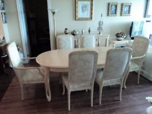 High Quality Dining Set and Bar Stools