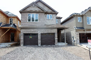 Detached house for sale in Niagara Falls (Golf course community)