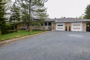 Immaculate Bungalow on 2.15 acres in Lively