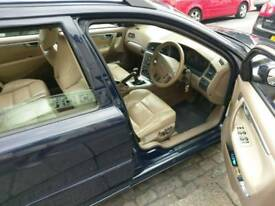 Volvo V70 2.4T D5 6 speed