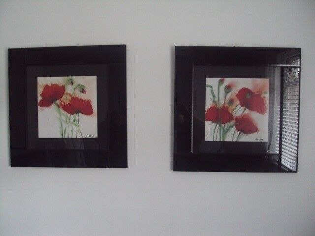 PAIR OF PAGAZZI PICTURES WITH BLACK GLASS FRAME