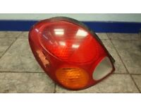 2001 TOYOTA COROLLA TAIL LIGHT PASSENGER NEAR SIDE DIESEL+PETROL *SLIGHT DAMAGE*