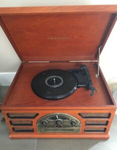 Crosley CR66 - 4 in 1 record player
