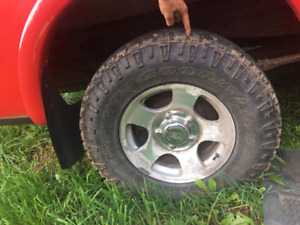 Good set of  245/75/R16 tires on 5 bolt ford rims!