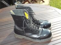 DR MARTINS AIR WAIR 10 EYELET SAFTEY BOOTS SIZE 11