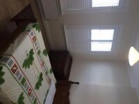 Beautiful double room near Norbury. Inclusive of all bills £500 pcm . CR7 6JY .