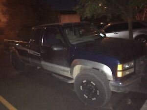 1998 gmc 2500 6.5 diesel 4x4 with plow