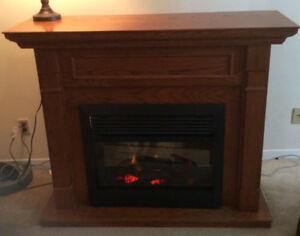 Beautiful Oak Electric Fireplace and Mantle Piece, by Dimplex
