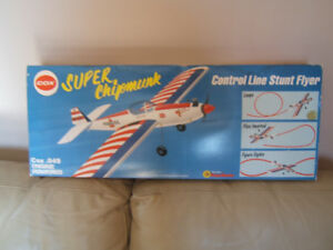 VINTAGE TOY AIRPLANE Cox .049 Super Stunter Super Chipmunk