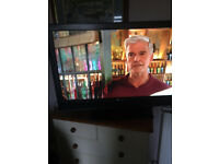 sony bravia 40 inch tv with built in freeveiw. reduced price to £80.