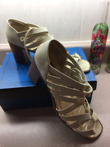 WOMEN'S SHOES, CREAM COLOURED, SIZE 10, LEATHER UPPER
