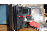 ABB SACE TMax 1250A circuit breaker, equipped with PR332 / P-LSI protection relay