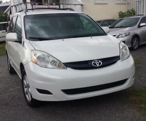 2007 Toyota Sienna LE  - DVD - Certified
