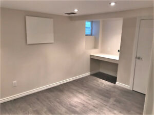 NEWLY RENOVATED 5 BEDROOMS - UNIVERSITY OF WINDSOR STUDENTS!