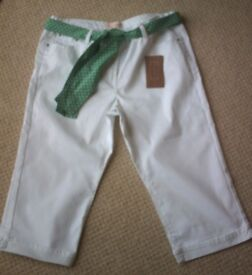 Women's Clothing White Capri Jeans with Green Spotted Waist Tie Size 16 BNWT