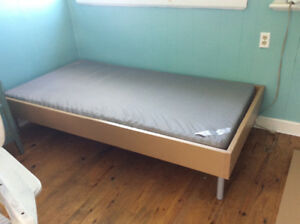 Gently used bed with mattress