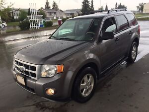 2009 Ford Escape 205Kms, New Tires AWD, $4,900 OBO