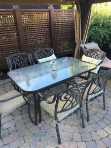 Table de patio & 6 chaises