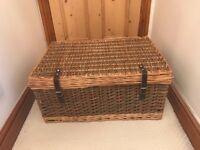 Large wicker picnic hamper / basket