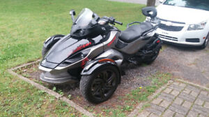Can-Am Spyder RSS 2013
