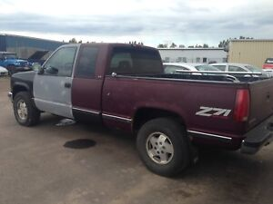 Z71 4x4 runs drives best offer by end of week need gone