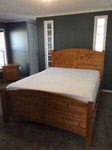5 piece solid wood, queen size bedroom set