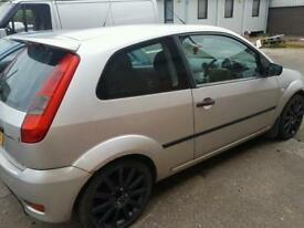 Ford fiesta zetec s 1.6tdci breaking for spares