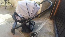Babystyle Oyster 3 in 1 travel system. Black/grey.Great condition.