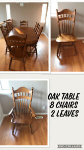 Oak Table with 8 chairs and 2 leaves