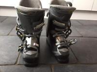 Ski boots, bag, gloves & goggles