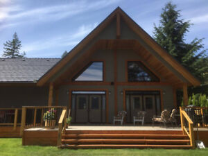 Move to the Shuswap! Gorgeous Views 3bd/3ba Waterfront home!
