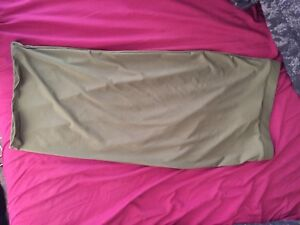 Pencil fit olive skirt (S-M)
